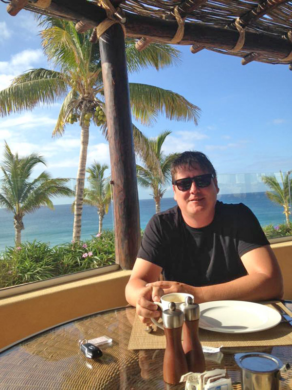 Dining at the Puerto Los Cabos Beach Club