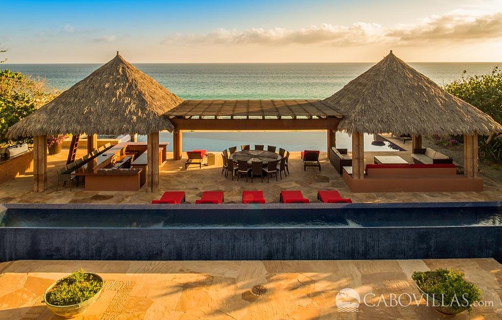 Luxurious Villa Tranqulidad is a beachfront vacation rental in Los Cabos